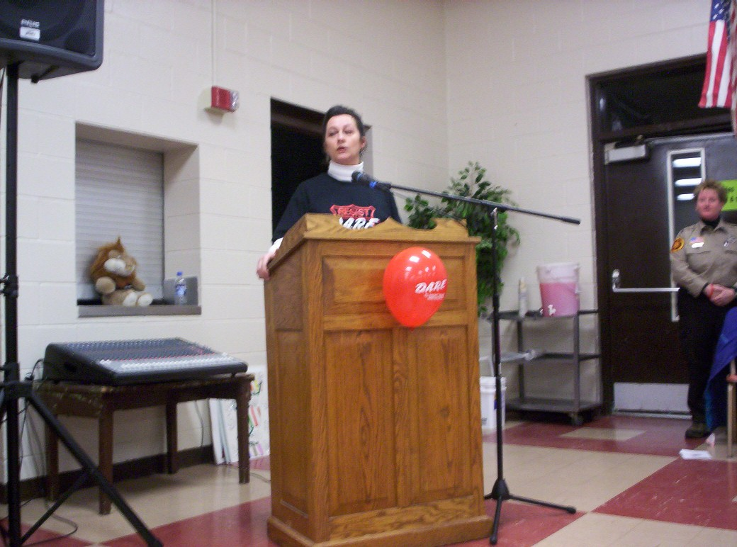 Teacher addresses the 2008 D.A.R.E. Graduating Cla
